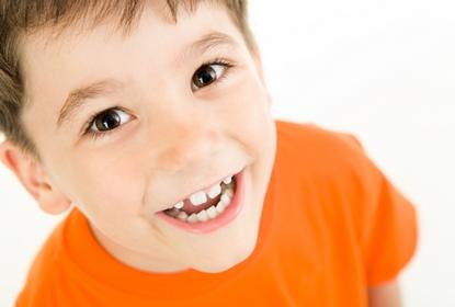 petit garcon au Cabinet d'Orthodontie du docteur DAYEZ, à Brignoles