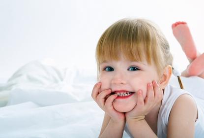 petite blonde au Cabinet d'Orthodontie du docteur DAYEZ, à Brignoles